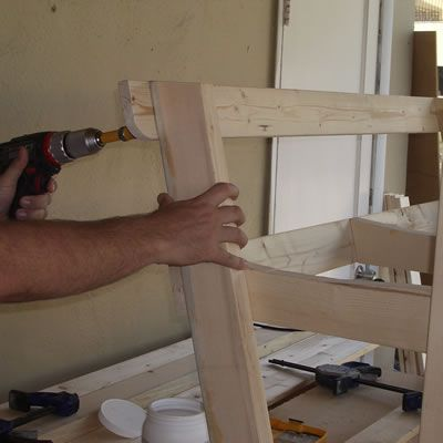 Attaching the Back Spreader