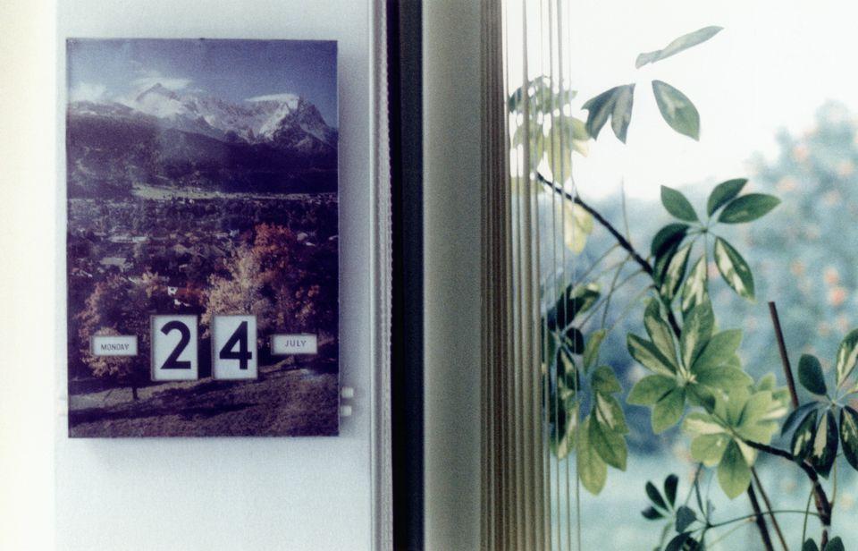 hanging wall calendar