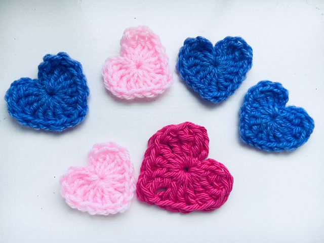 Mini Crochet Heart Free Pattern