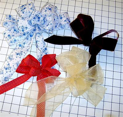 How to Tie a Multi-Loop Floral Decorative Bow