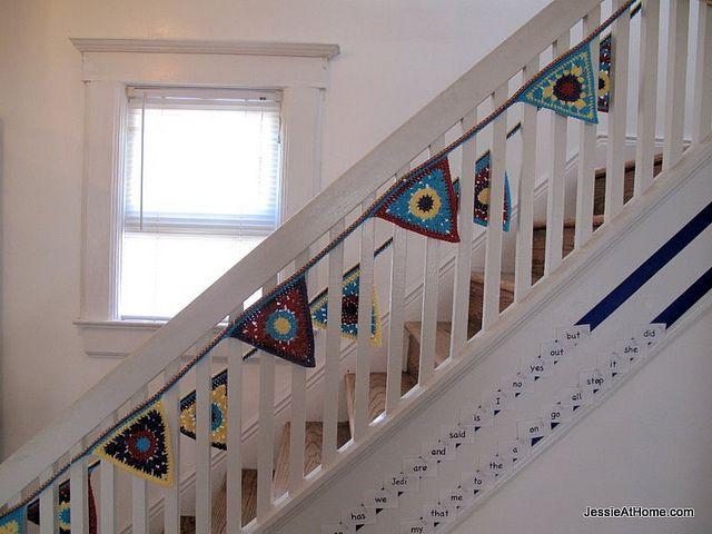 Crochet Triangle Bunting Free Pattern