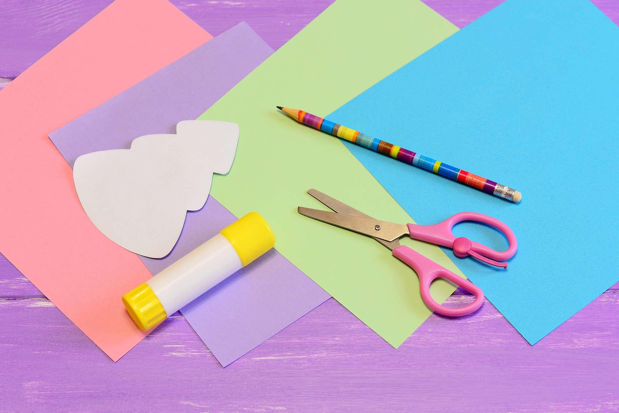 Старых, как сделать открытку своими руками из бумаги без клея и ножниц