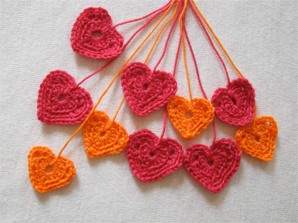 10 Crochet Heart Patterns for Valentine\'s Day
