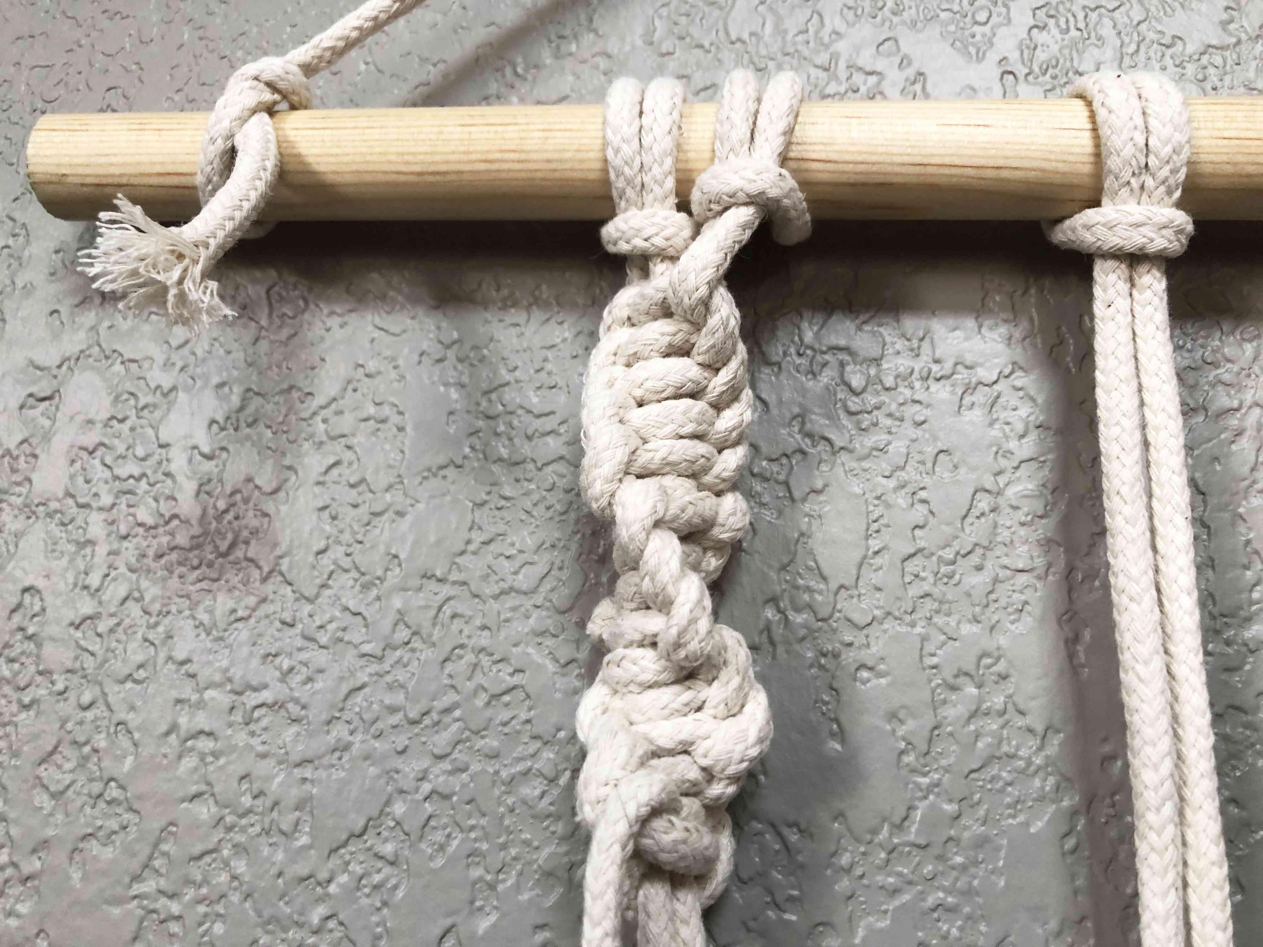A macrame spiral stitch