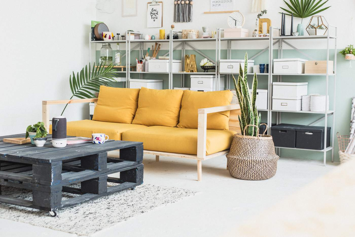 9 DIY Ideas for the Living Room