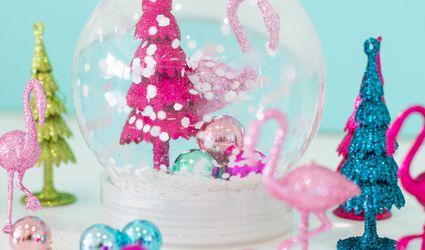 A DIY tropical holiday snowglobe