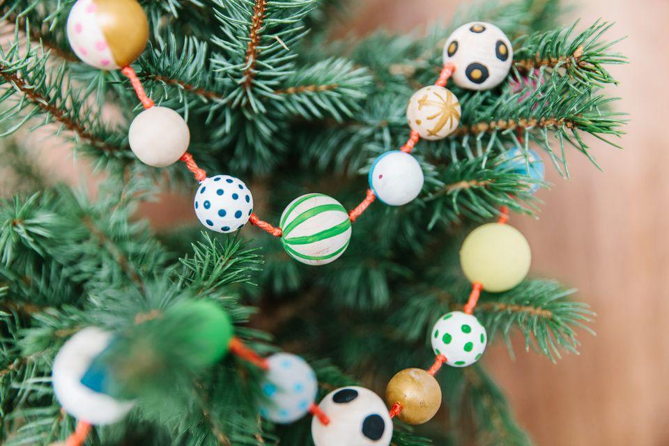 23 Fun Diy Christmas Garlands