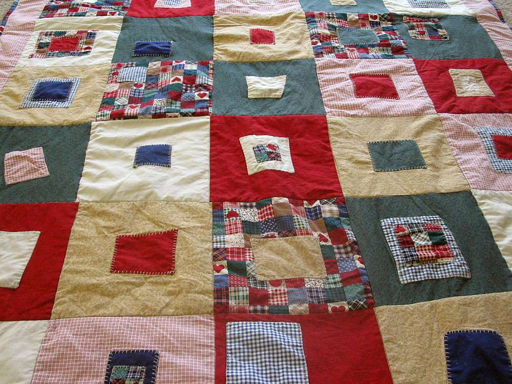 Lazy Grrrl Log Cabin Quilt by T-Marie