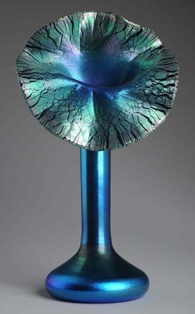 Durand Art Glass Jack in the Pulpit Vase, c. 1925.