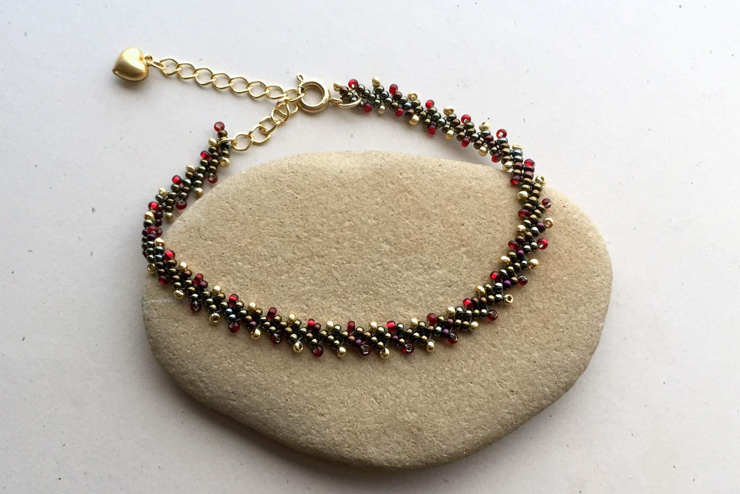 These Beaded Bracelet Projects Are Easy