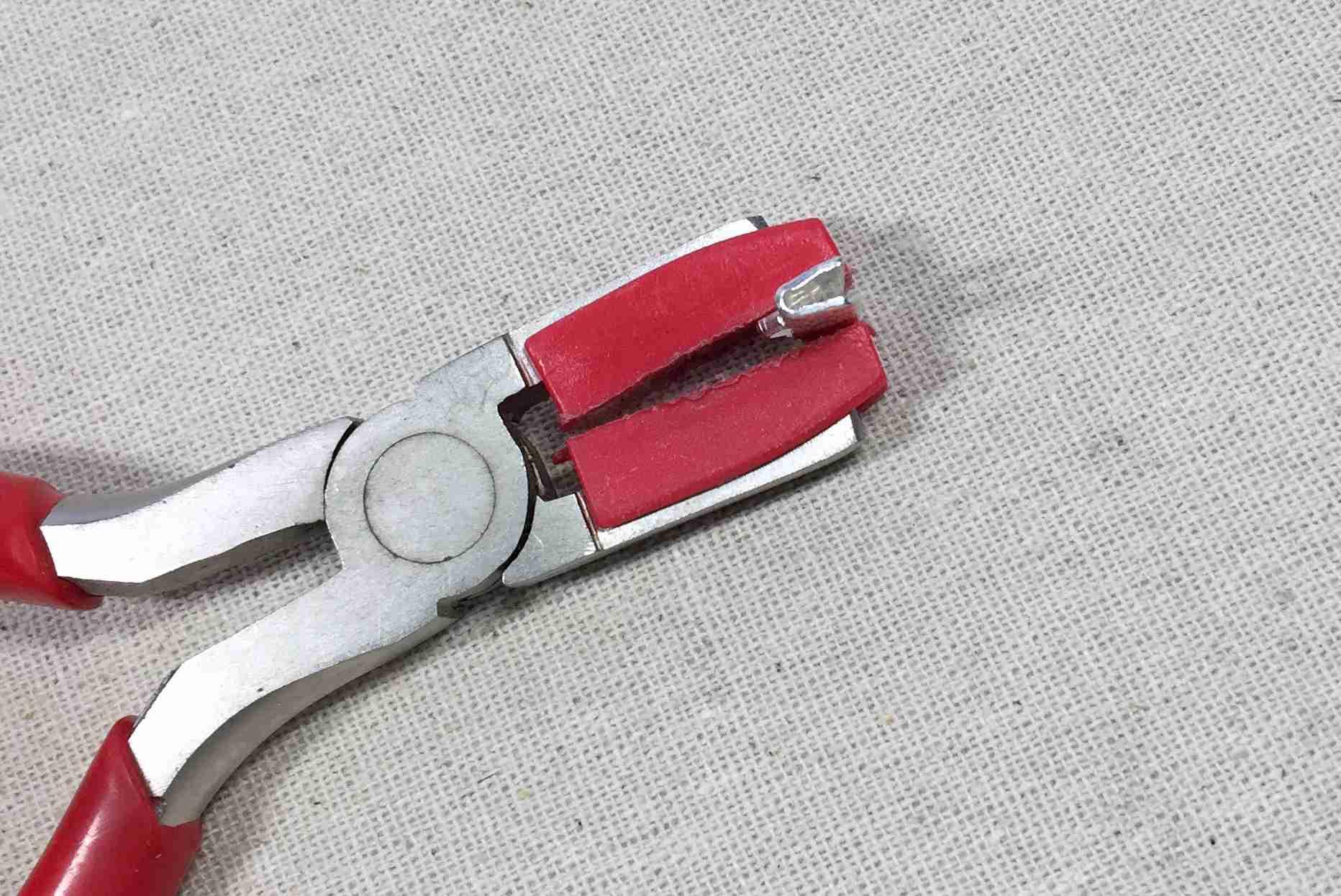Close Ribbon Clamp