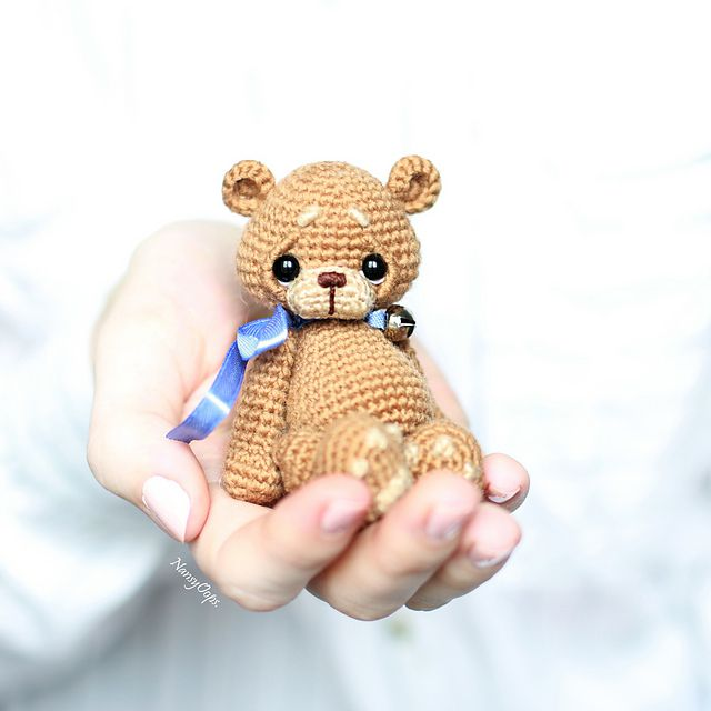 Free Heart pattern and My Rikki Bear | Crochet teddy bear pattern ... | 640x640