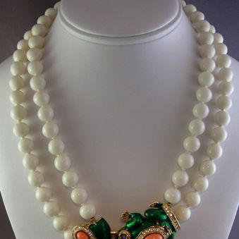 Circa: 1960s Ciner Bead Necklace with Frog Clasp