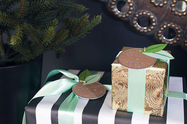 Green leaf gift tags