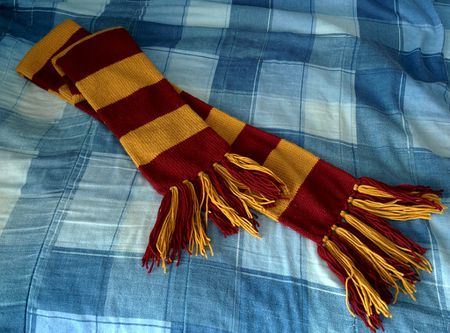 How To Crochet Your Own Gryffindor Scarf