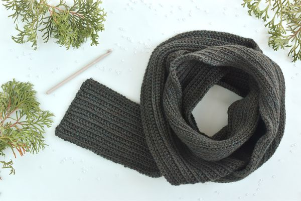 How to Crochet a Men's Scarf