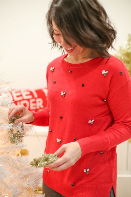 How To Make A Sparkly Christmas Sweater In Just 10 Minutes