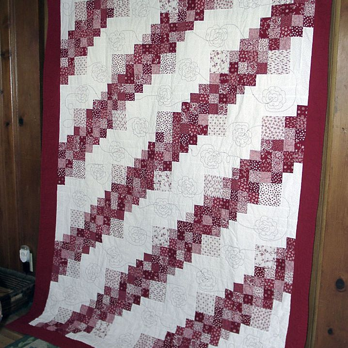 Red Roses for Annie Log Cabin Quilt
