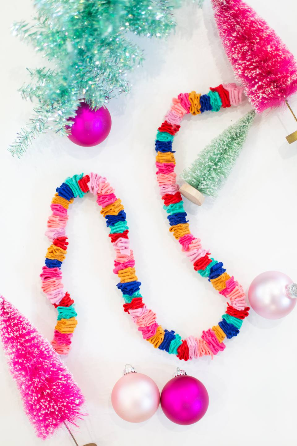 How to make a DIY Christmas garland