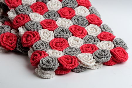 9 Crochet Patterns For Roses