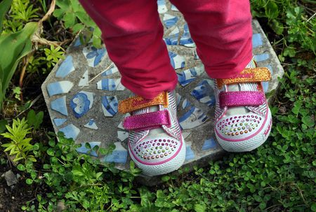 Make Personalized Stepping Stones For Your Garden