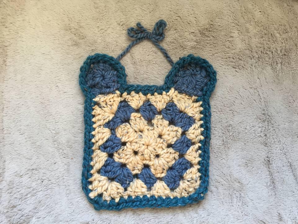 How to Crochet a Chunky Granny Square Baby Bib