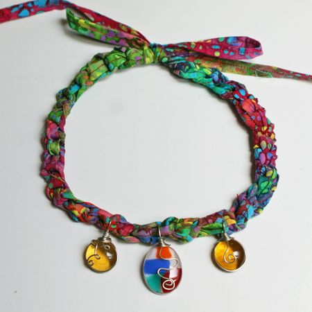 Crochet Necklace Pattern With Wire Wrapped Pendants