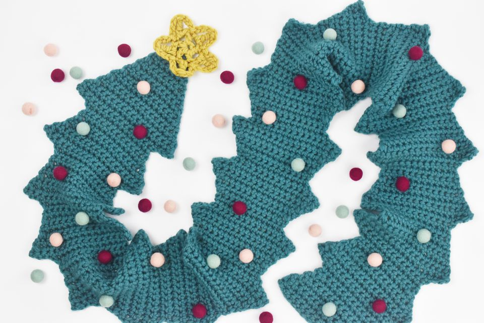 Free Christmas Tree Crochet Scarf Pattern