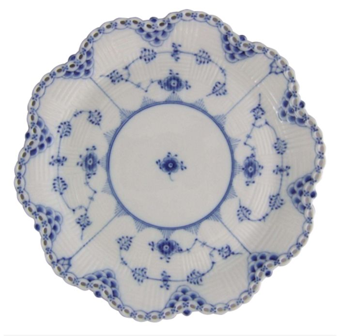 Blue Fluted Full Lace Dinner Plate