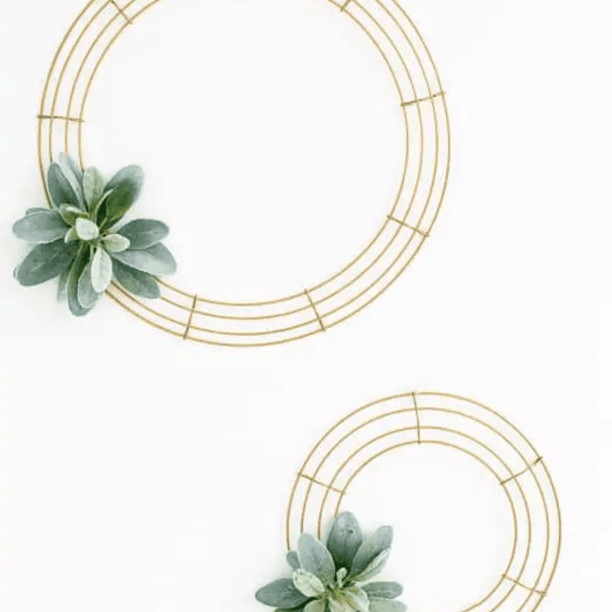 geometric wreath with wire and leaf accent