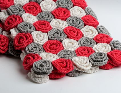 crochet blanket with rose pattern