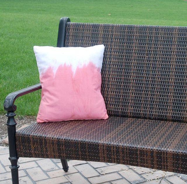DIY Dip Dyed Kool-Aid Pillow
