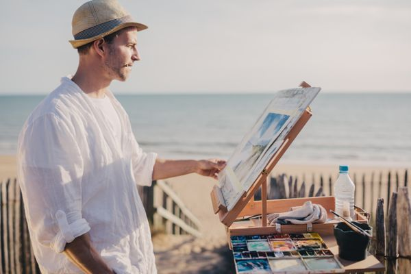 Artist painting outdoor