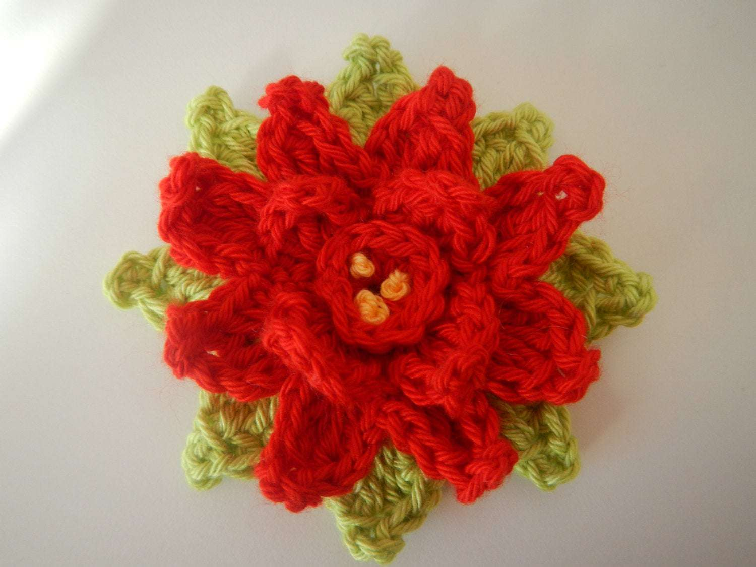 Poinsettia in the Round Pattern