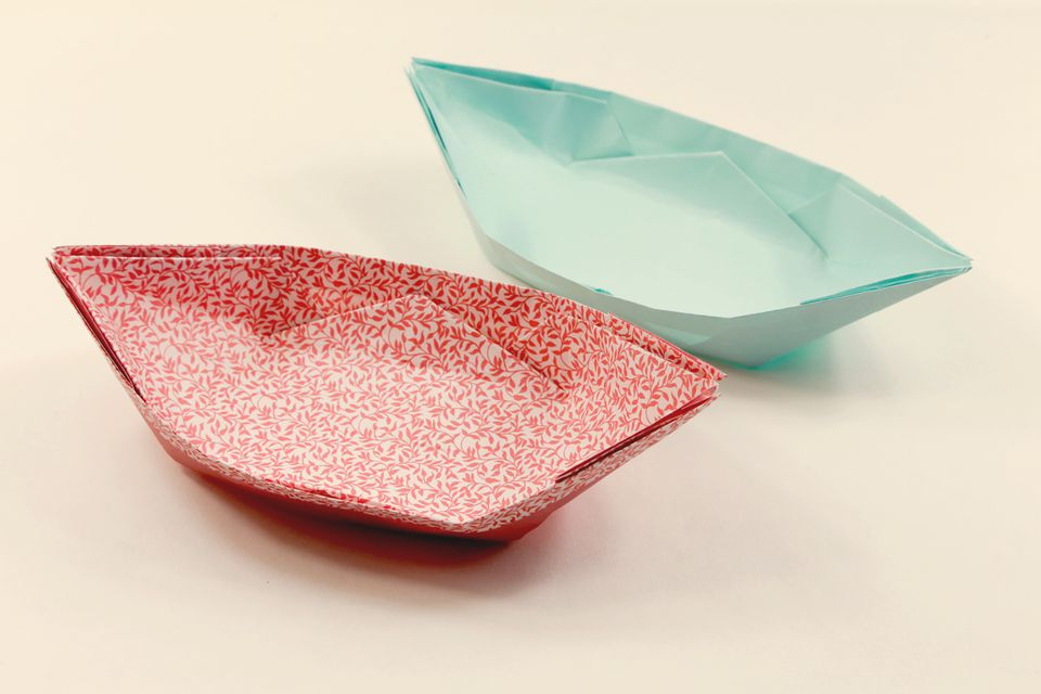 Finished origami boat dish