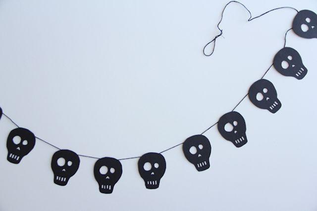 DIY Skull Banner
