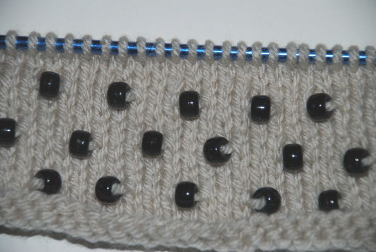 Beaded knitting pattern
