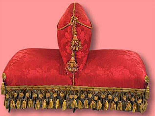 11 Antique Couch Sofa And Settee Styles