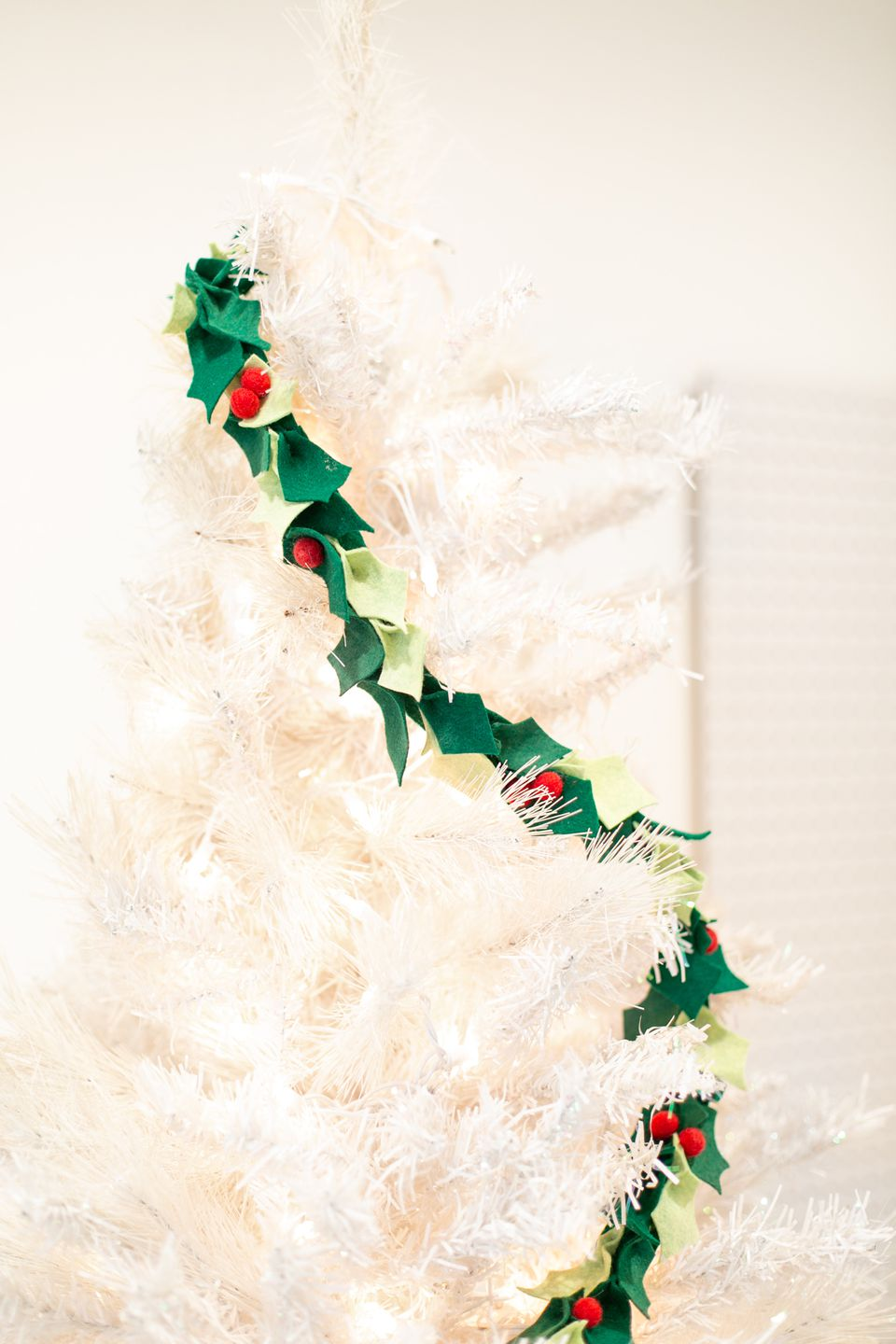 DIY felt holly garland