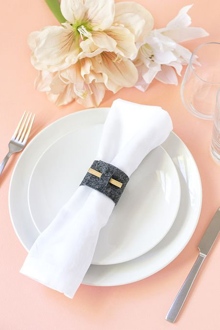 Make your own napkin rings for any occasion diy felt napkin rings solutioingenieria Choice Image