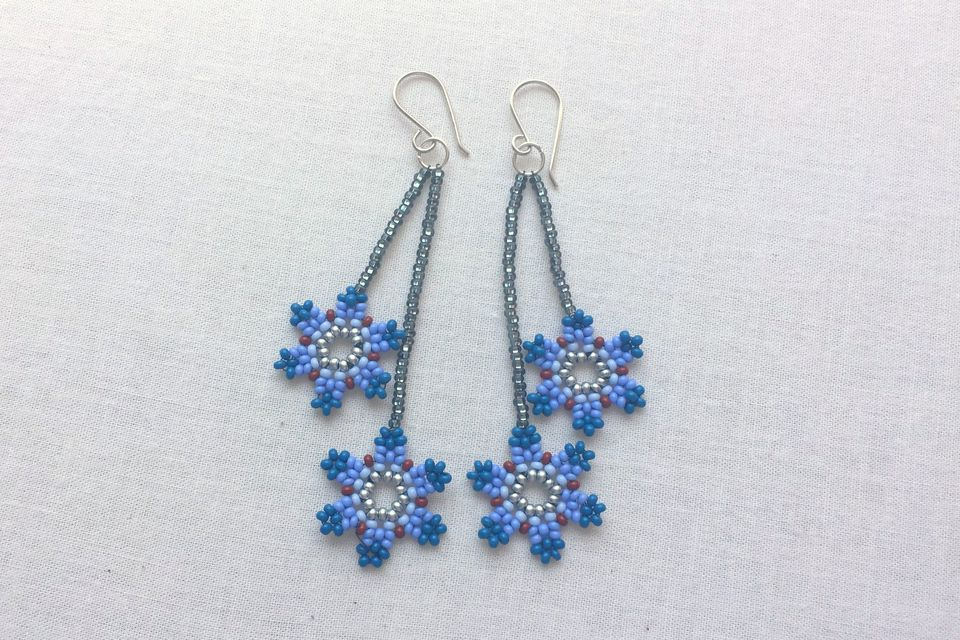 Dangle flower bead earrings