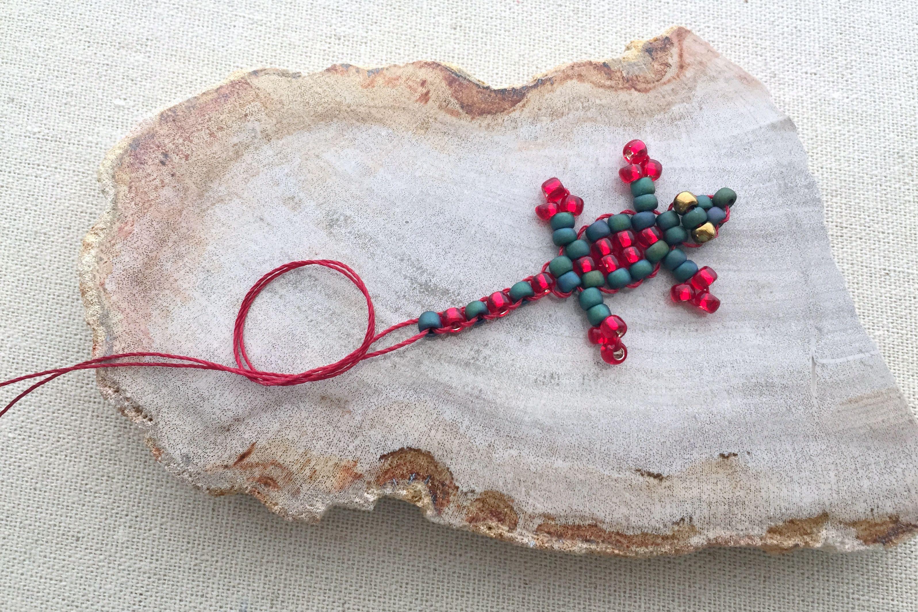 How To Make A Beaded Gecko Lizard Keychain
