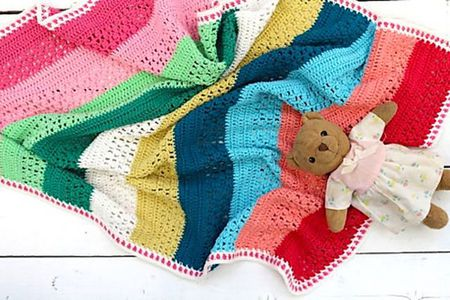 495c7ea1f4a5 15 Adorable Crochet Baby Blanket Patterns