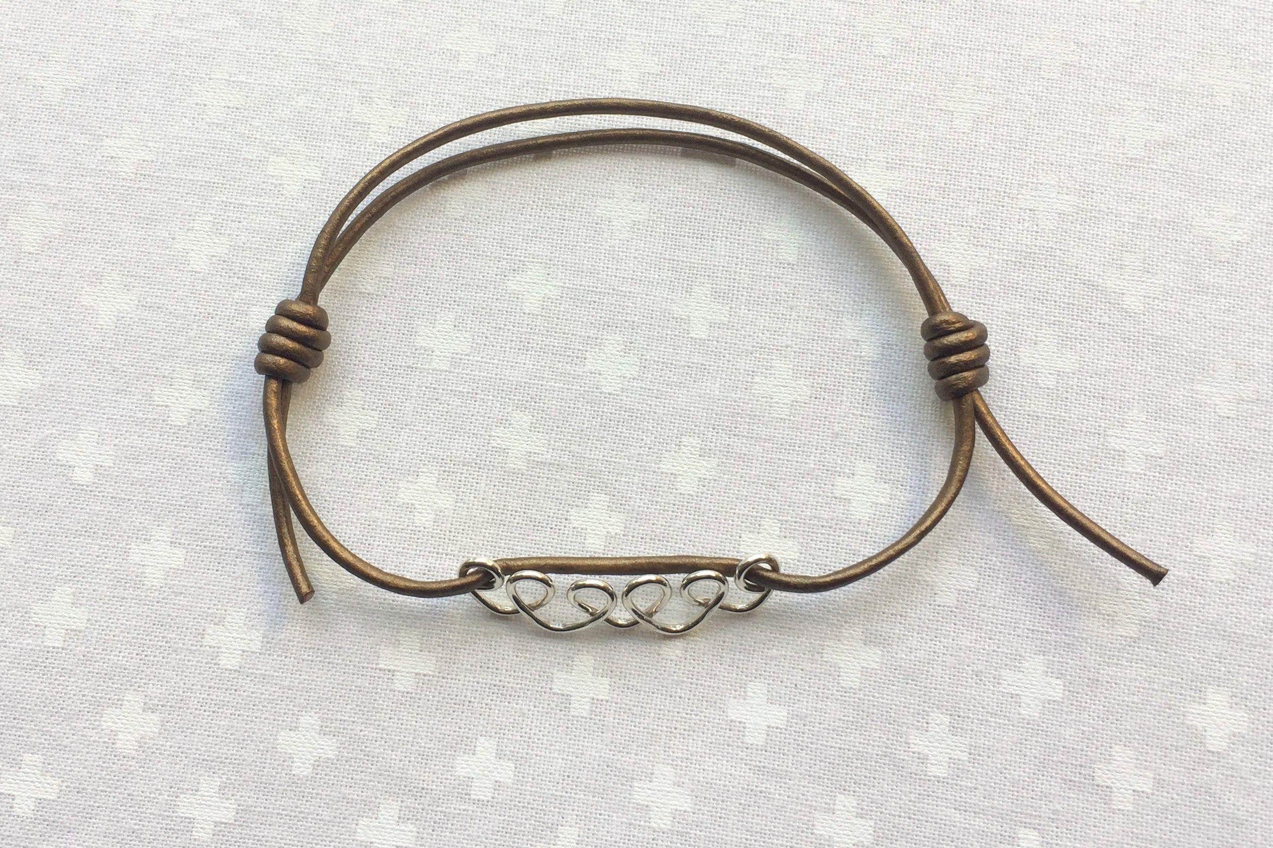 Using the sliding knots for an adjustable bracelet