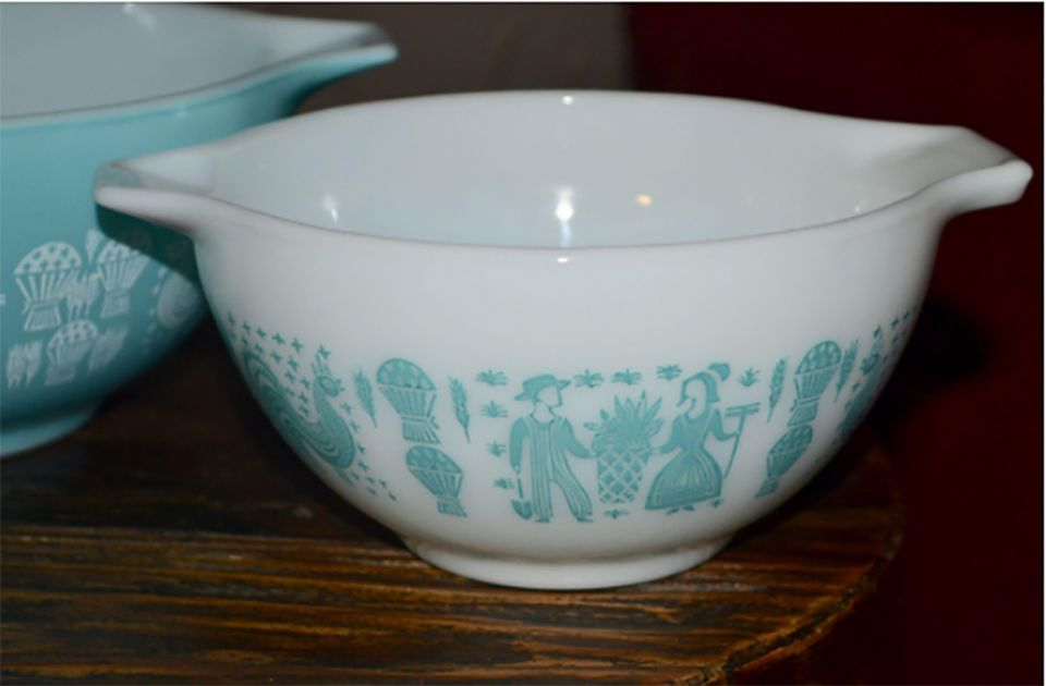 Pyrex Butterprint Cinderella Bowl