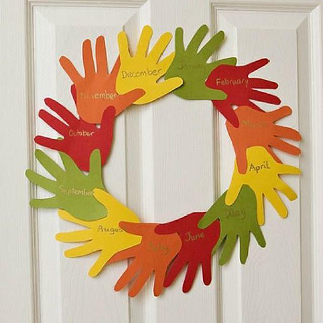 'Handy' Thanksgiving Wreath
