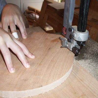Making Circular Cuts With Circle Cutting Jig