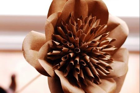 Wall Decoration with Paper Flowers by Step by Step