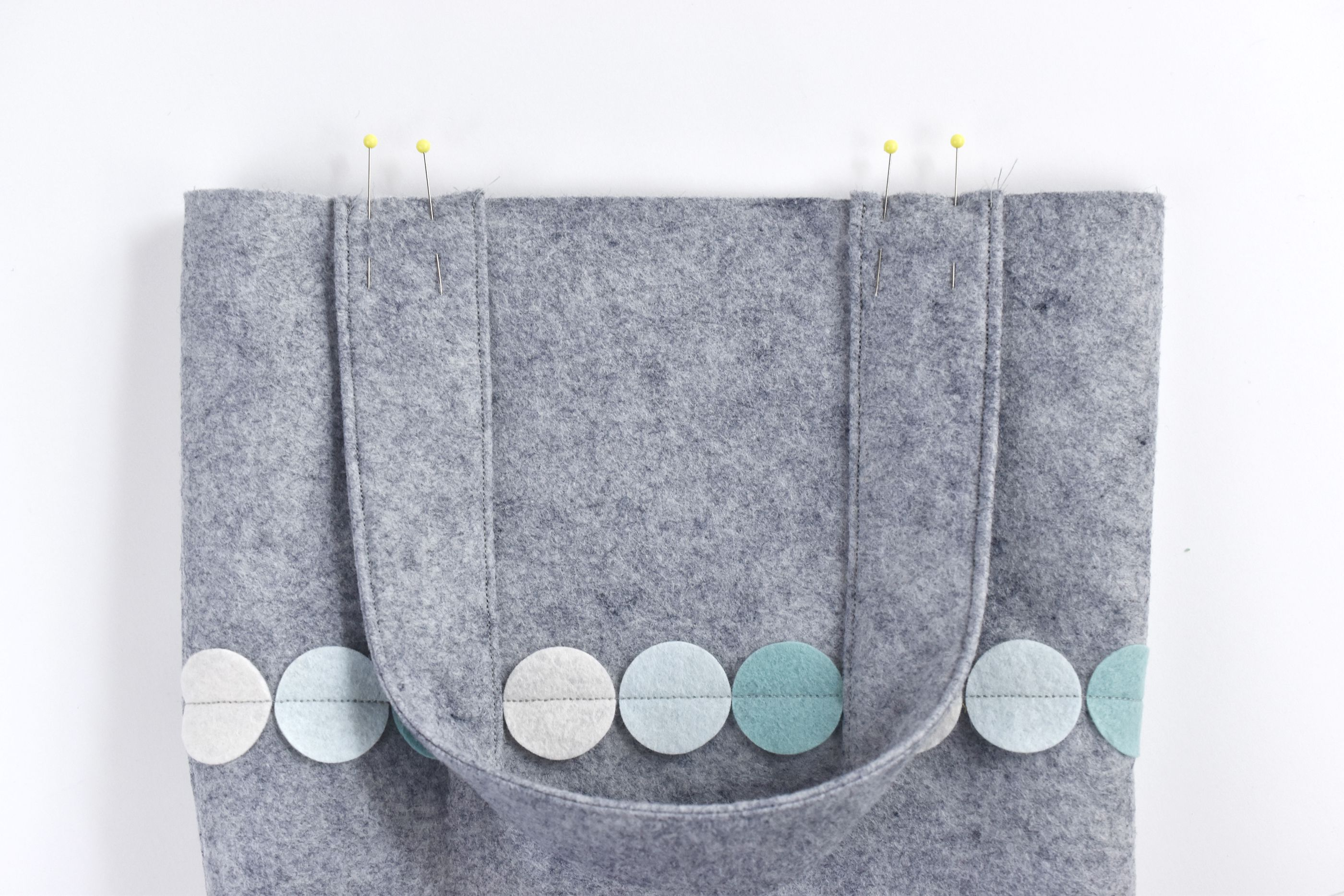 Learn How to Make a Tote Bag From Felt