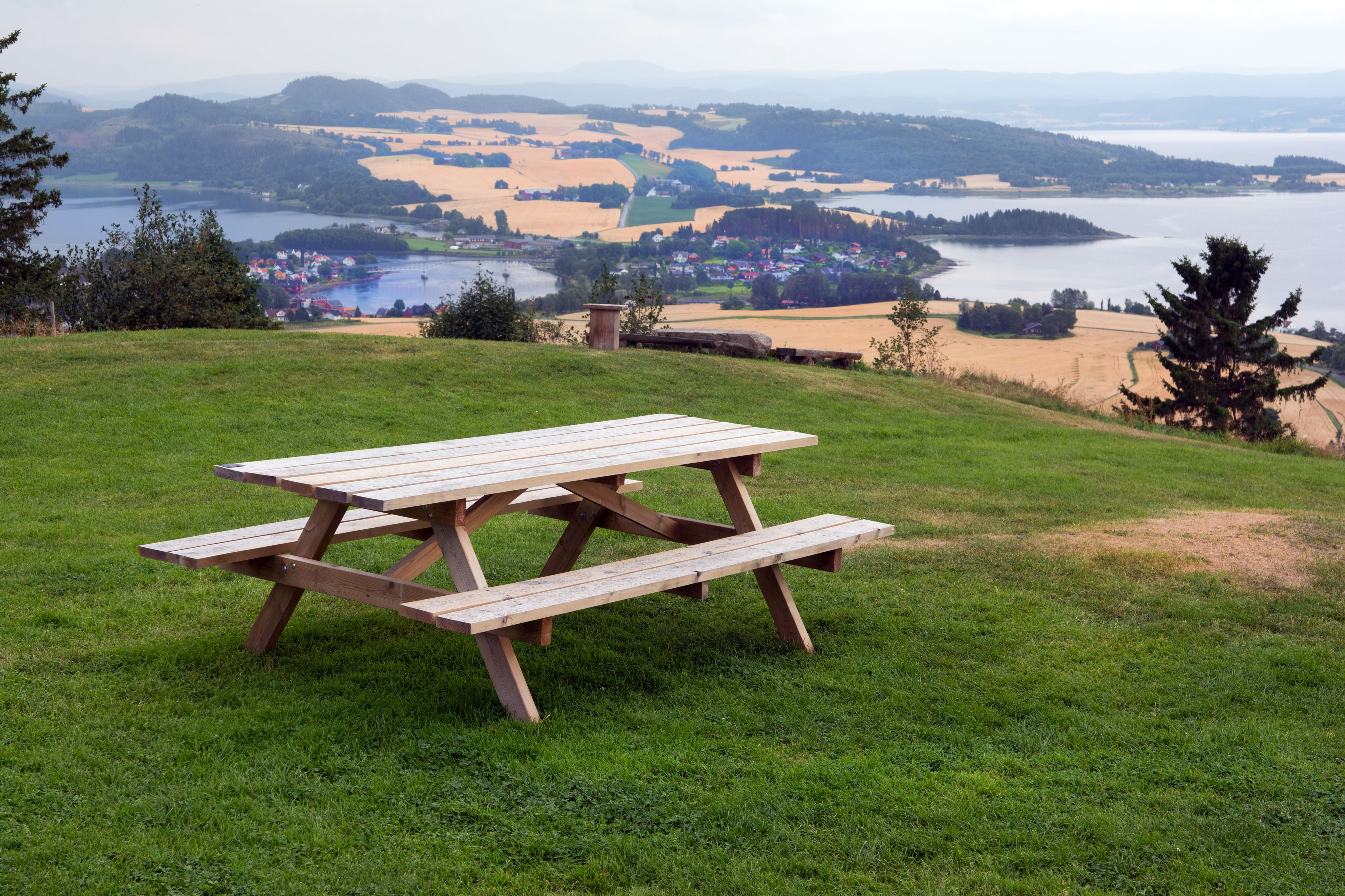 Free Picnic Table Plans In All Shapes And Sizes - One sided picnic table